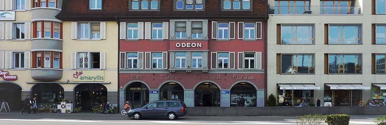 Pierwsze zdjęcie kina ODEON w Bruggu, gdzie odbywaja sie występy Gości Klubu.